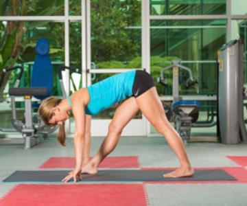 3 posturas de yoga que todo corredor debe saber